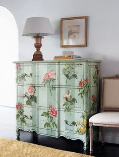 b1caee75d7285ceeed1fcc70bcd18195--decoupage-dresser-how-to-decoupage-furniture.jpg